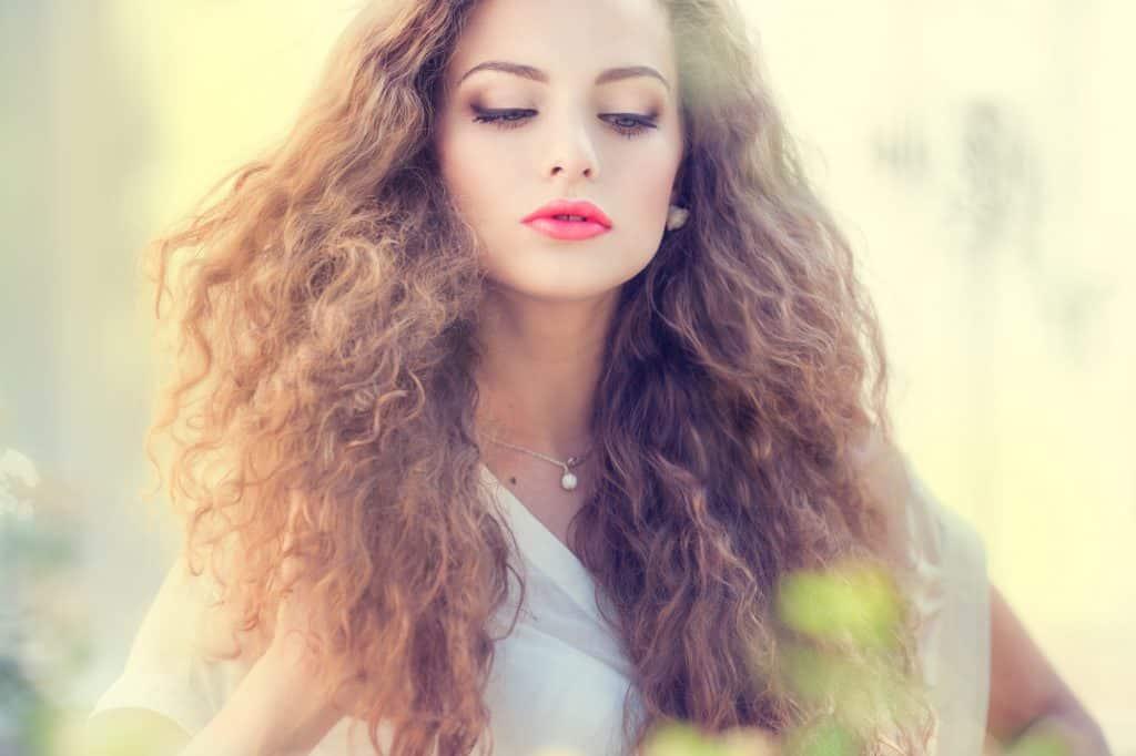 cheveux crépus femme blanc