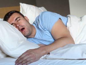 dormir après une greffe de cheveux